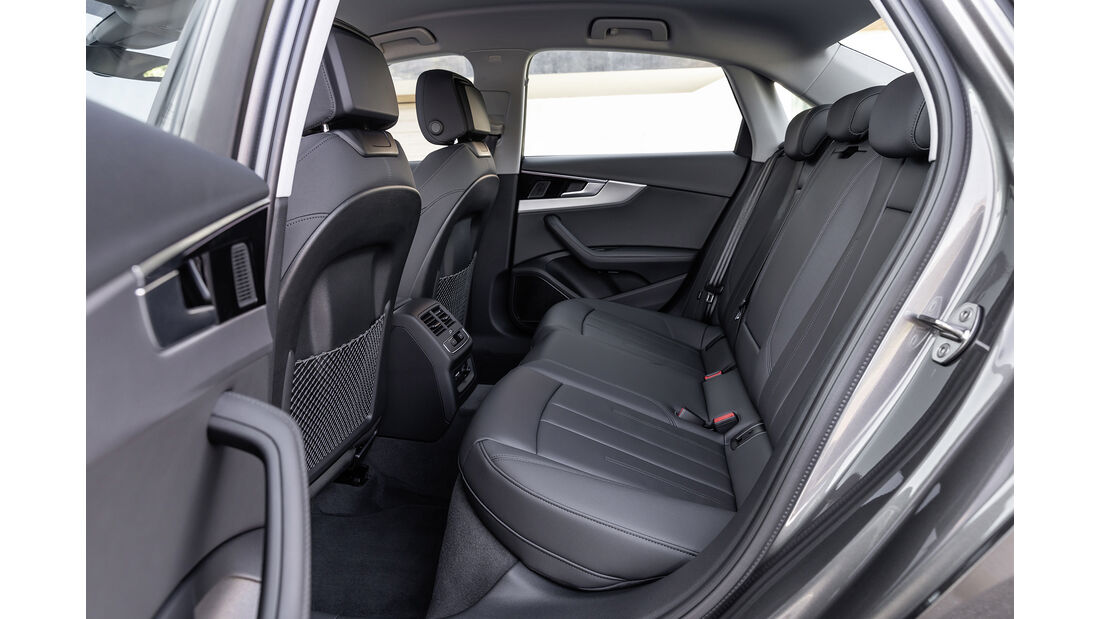 Audi A4, Interieur