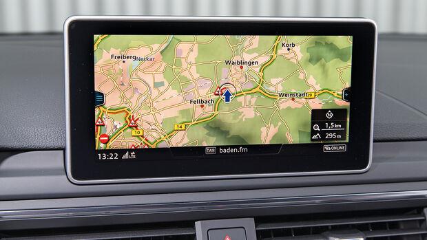 Audi A4, Navi