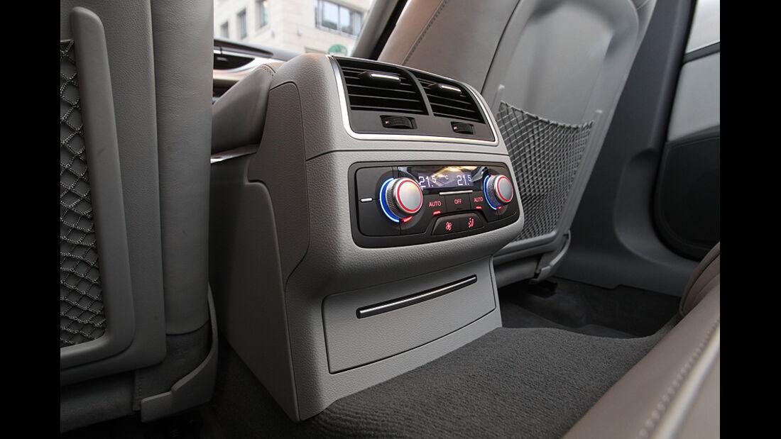Audi A6 2.0 TDI, Inneraum, Konsole hinten