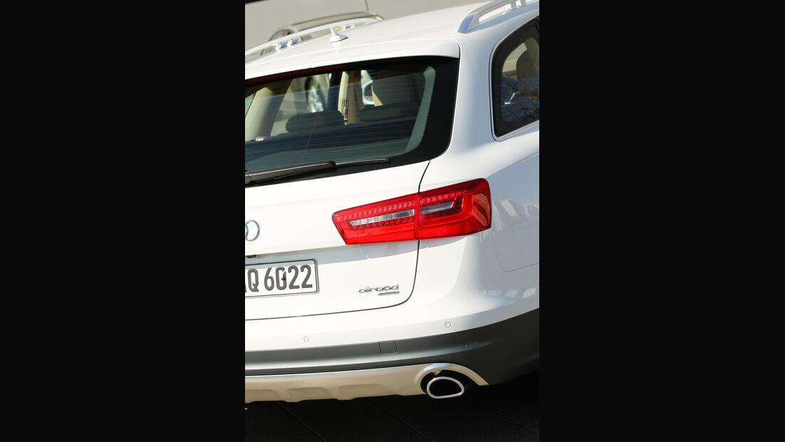 Audi A6 Allroad, Rückleuchte, Auspuff