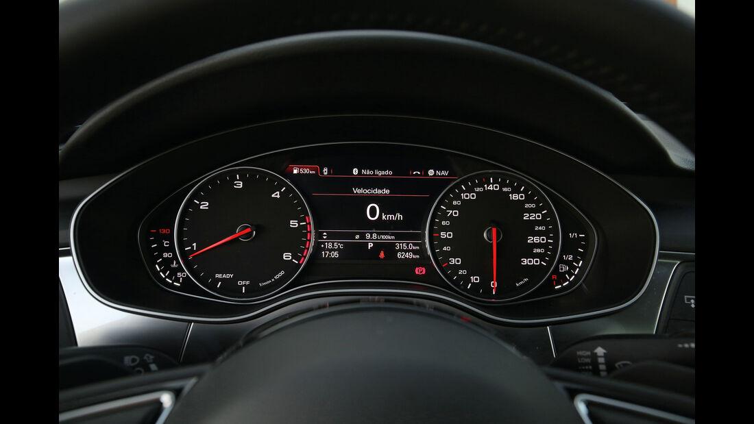 Audi A6, Anzeigeinstrumente