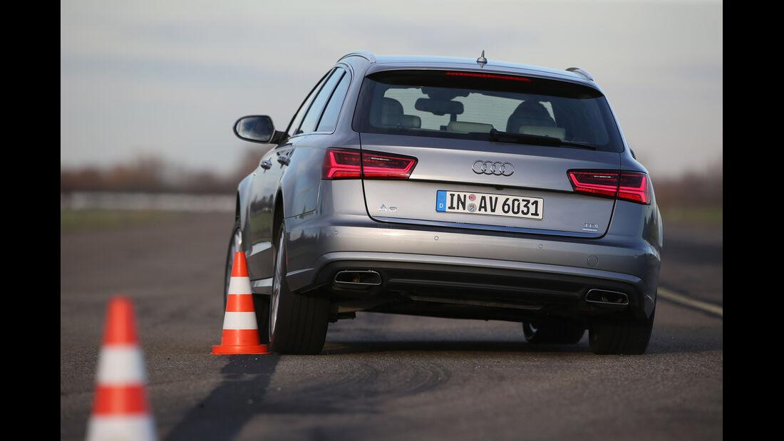 Audi A6 Avant 2.0 TDI Ultra, Heckansicht, Slalom
