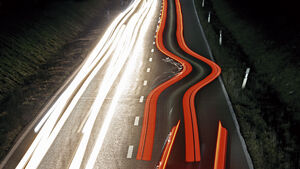 Audi A6 Avant, BMW M340i, Kia Niro, Mercedes A-Klasse, Porsche Cayenne, Volvo V90, Teaserbild