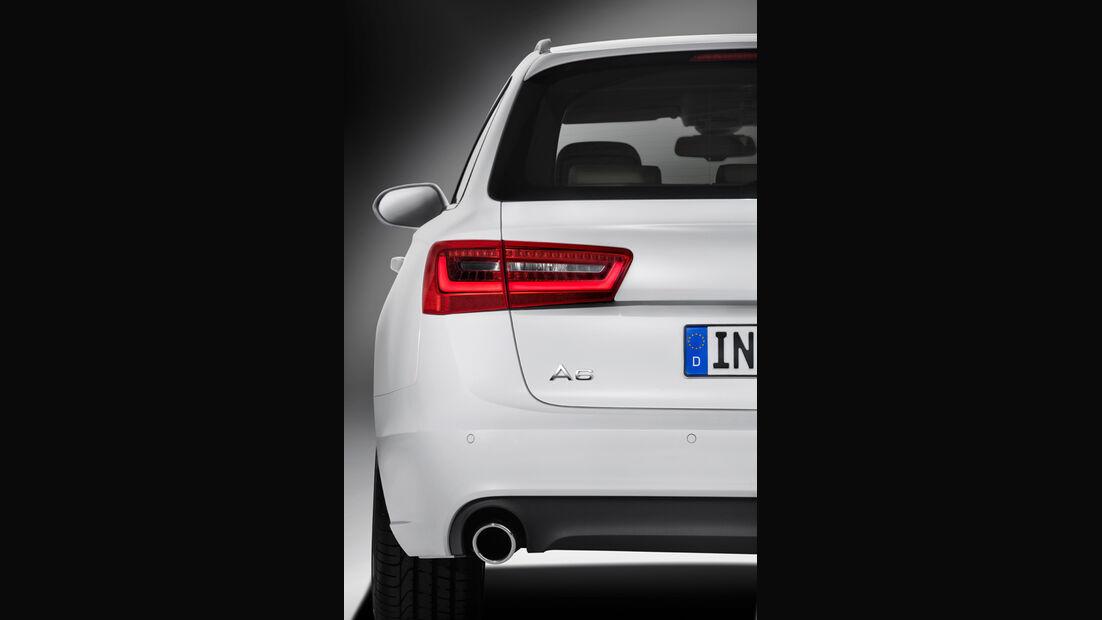 Audi A6 Avant, Rücklichter. Auspuff, Heck