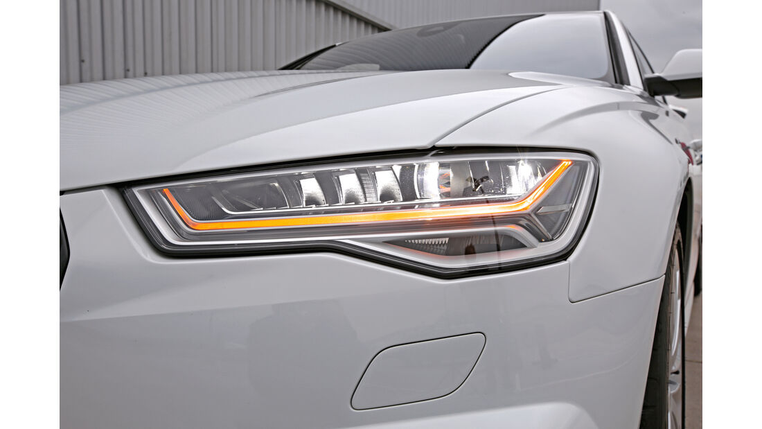 Audi A6, Frontscheinwerfer