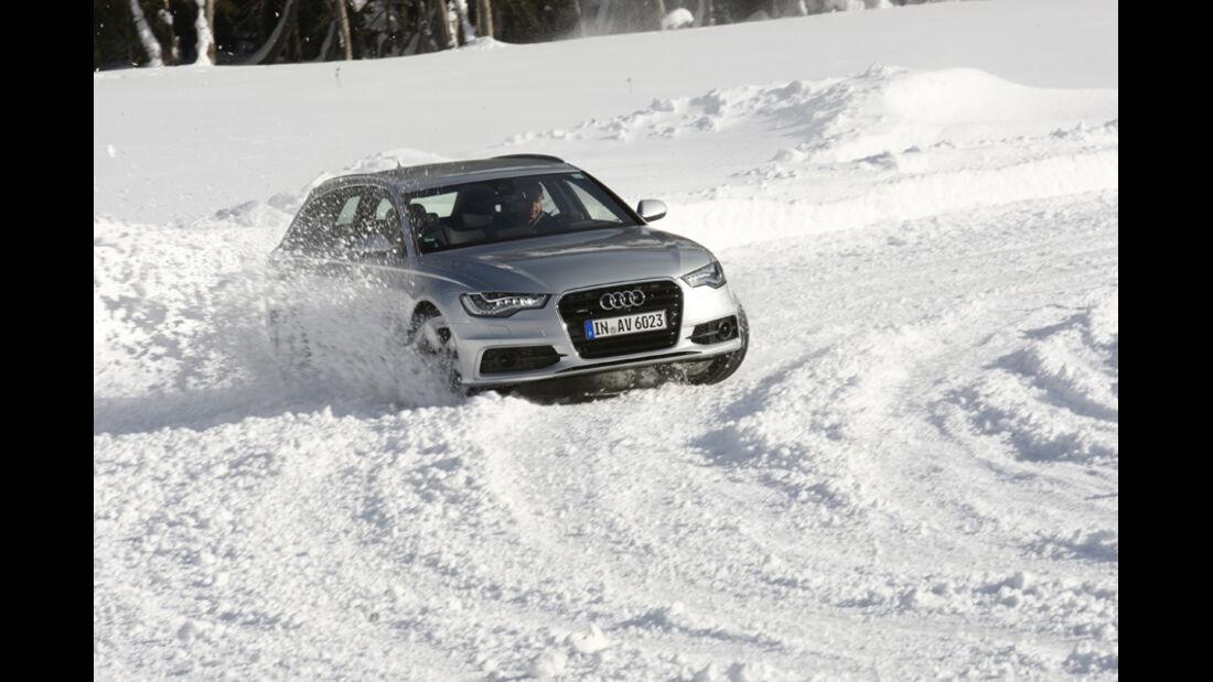 Audi A6, Kurvenfahrt