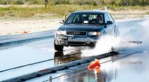 Audi A6, Nässe, Wassergasse