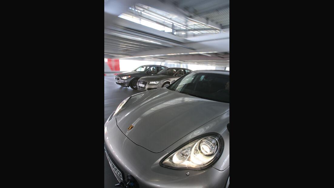 Audi A7 3.0 TDI, BMW 530d GT, Porsche Panamera D, Motorhaube