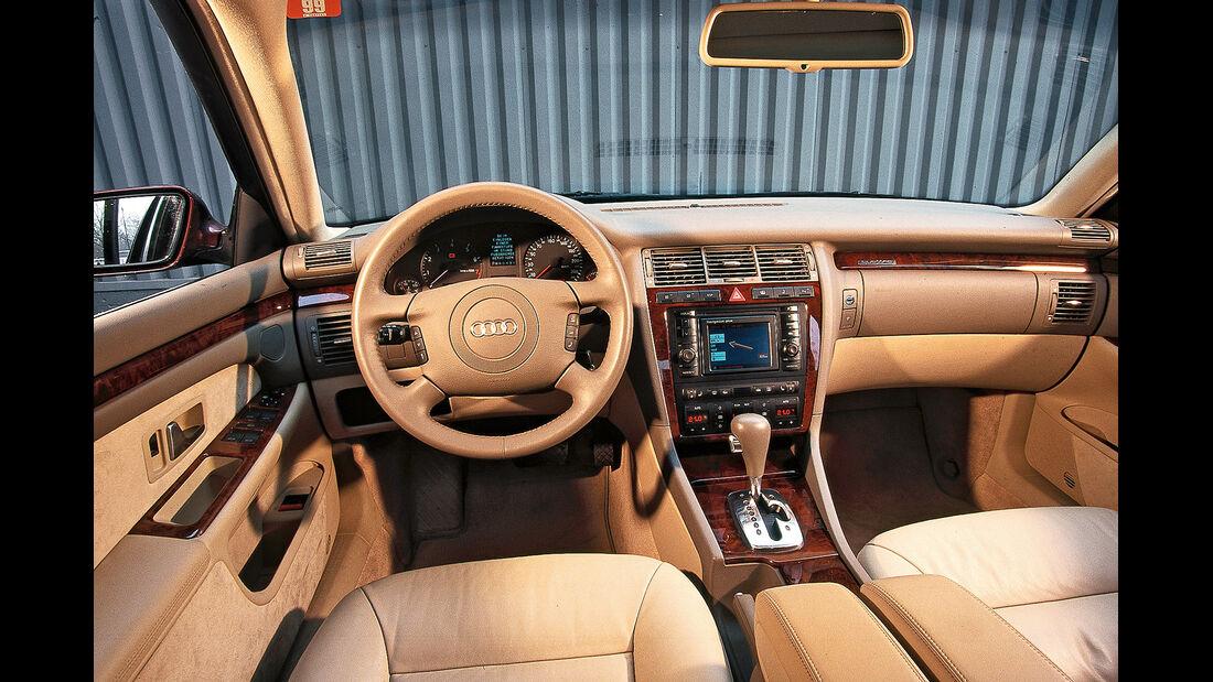 Audi A8 2.8, Cockpit