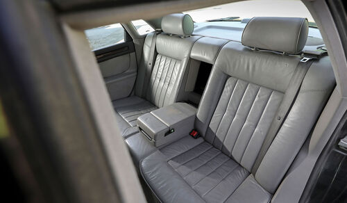 Audi A8 2.8 Quattro, Typ 4D (1996), Rücksitze