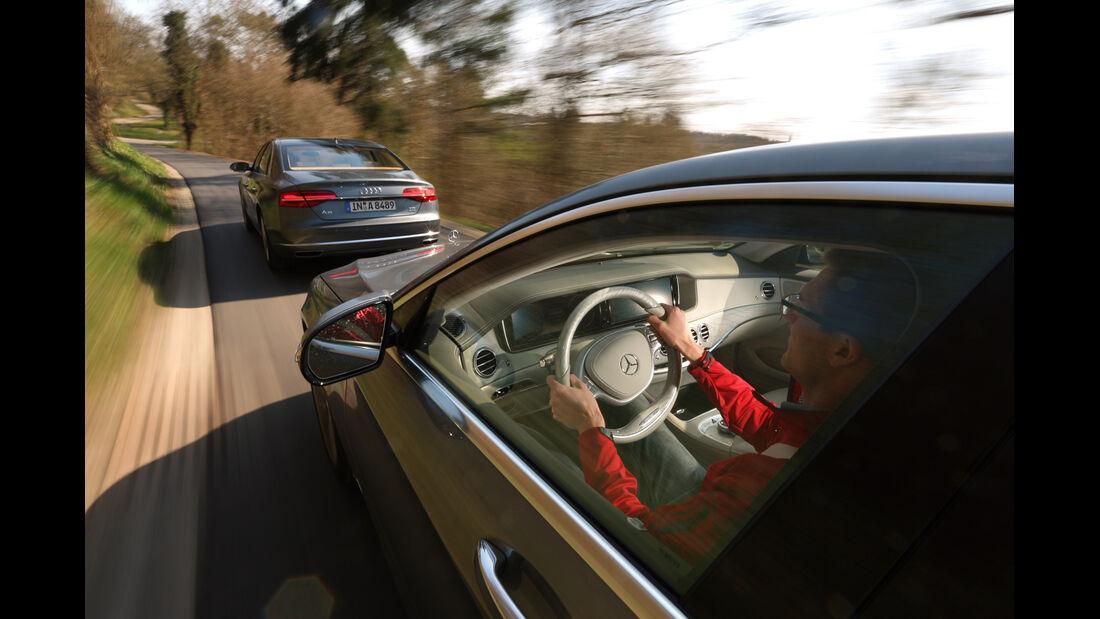 Audi A8 3.0 TDI Clean Diesel, Mercedes S 350 Bluetec, Ausfahrt
