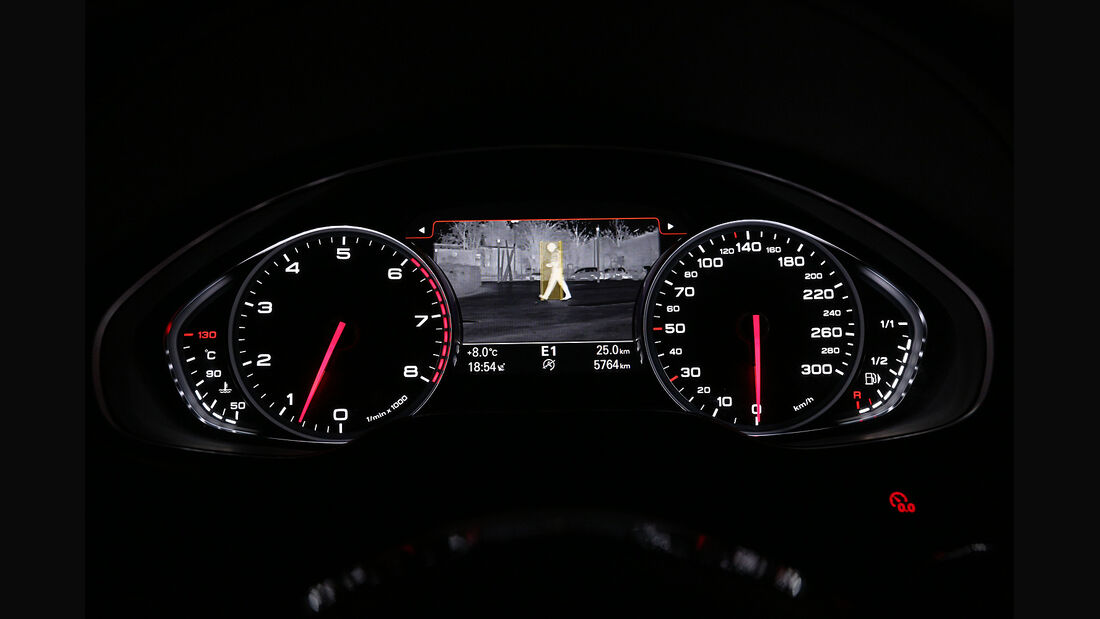 Audi A8 4.0 TFSI Quattro, Instrumente