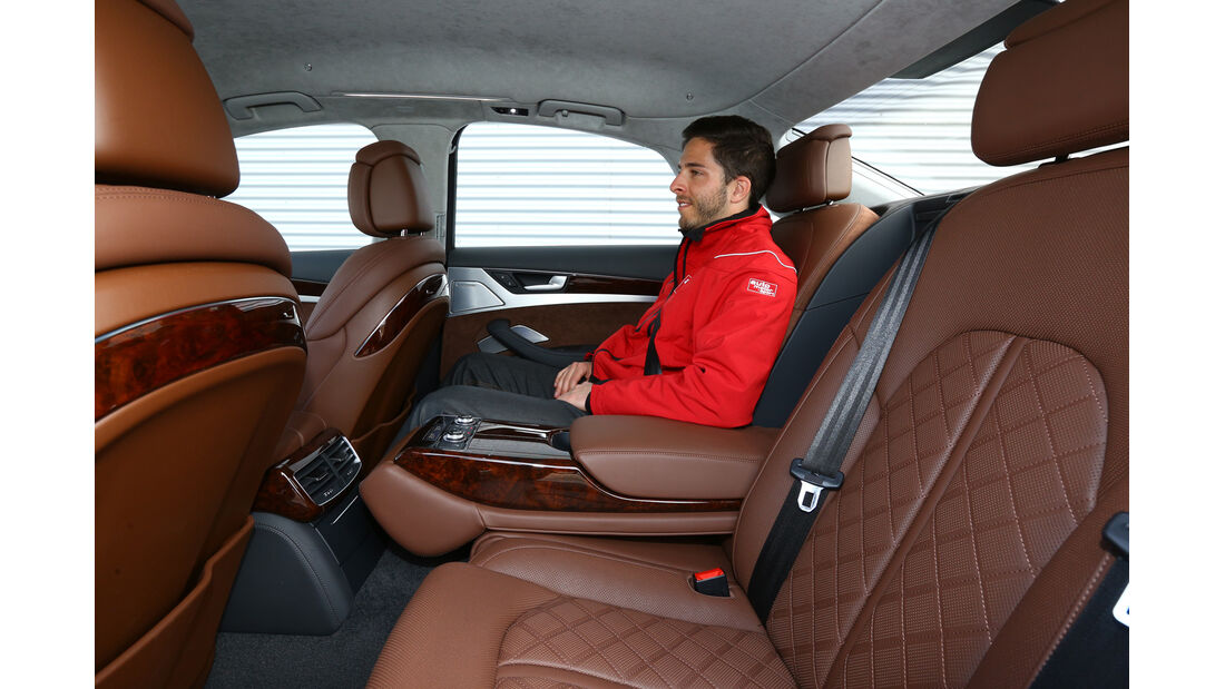 Audi A8 4.0 TFSI quattro, Rücksitz, Beinfreiheit