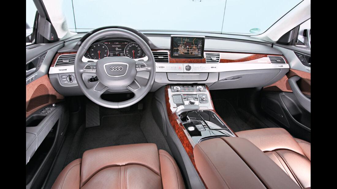 Audi A8 4.2 FSI Quattro, Cockpit