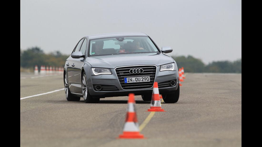 Audi A8 4.2 FSI Quattro, Frontansicht, Slalom