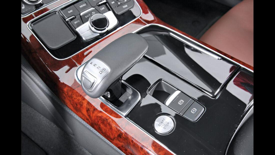 Audi A8 4.2 FSI Quattro, Mittelkonsole