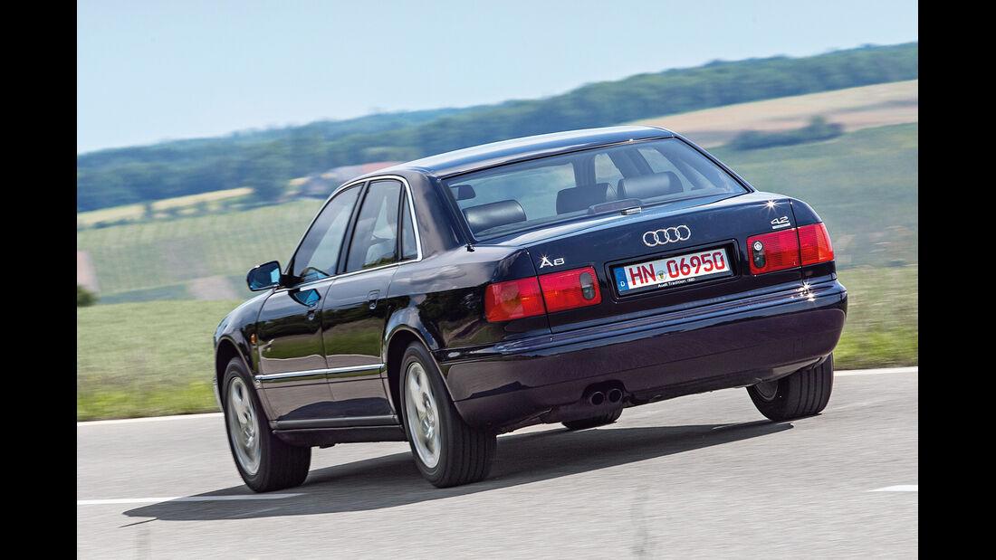 Audi A8 4.2 Quattro (D2), Heckansicht