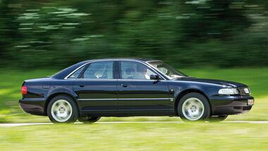 Audi A8 4.2 Quattro (D2), Seitenansicht
