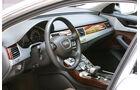 Audi A8, Cockpit
