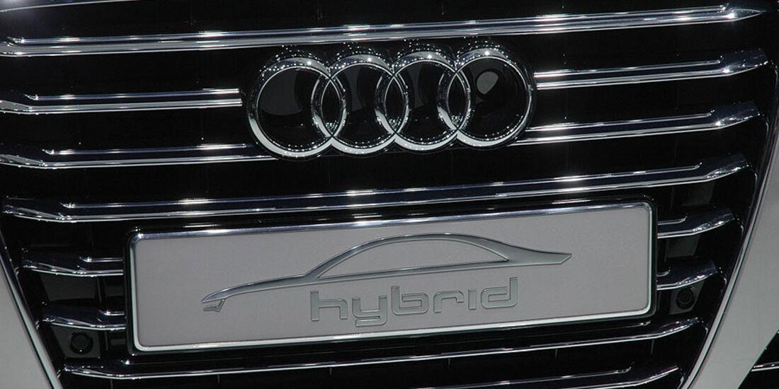 Audi A8 Hybrid auf der Auto China 2010