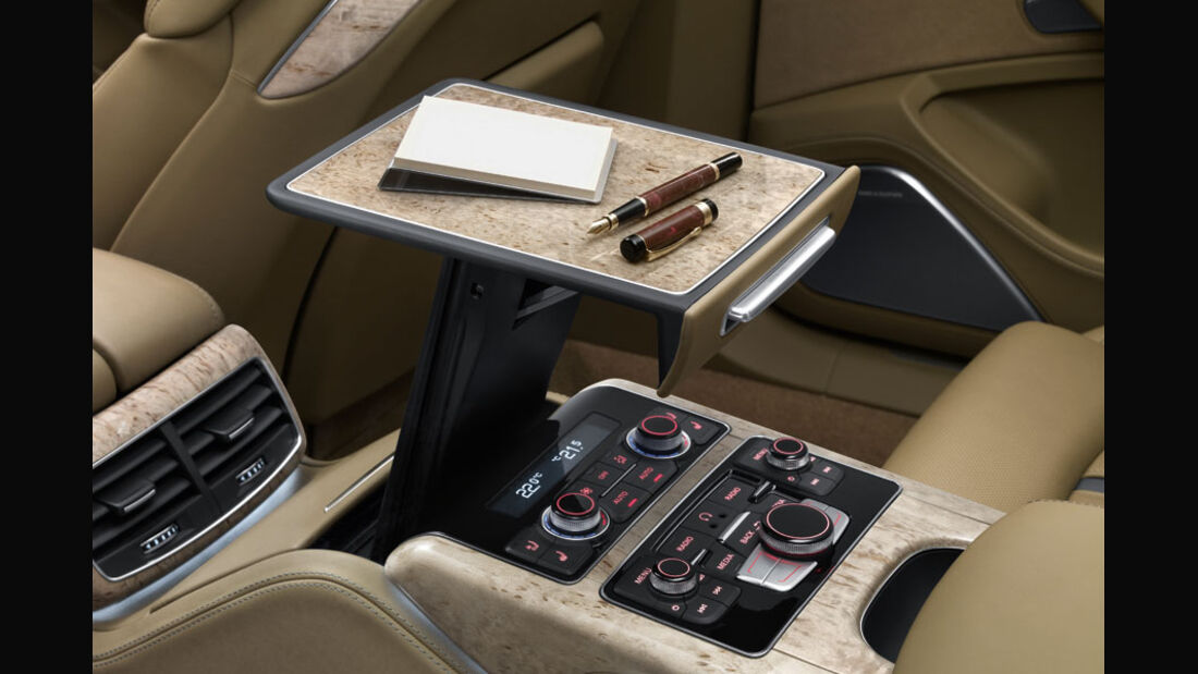 Audi A8, Mittelkonsole, Tisch