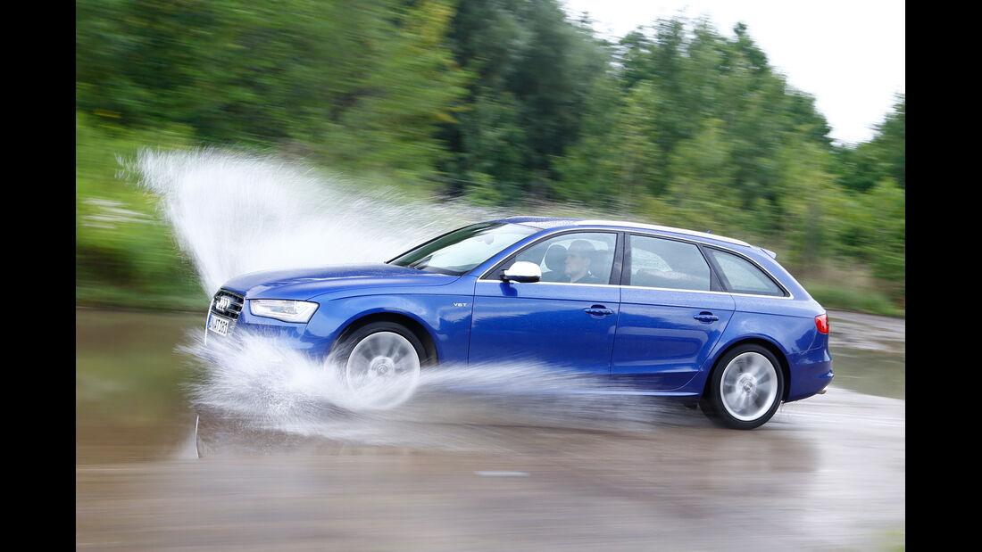 Audi Avant 3.0 TFSI, Seitenansicht, Wasserdurchfahrt