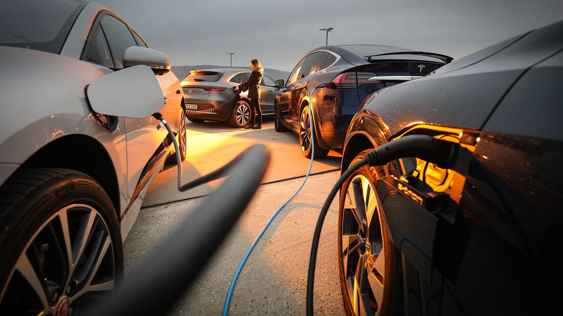 Audi E-Tron 55 Quattro Advanced, Jaguar I-Pace HSE, Mercedes EQC, Tesla Model X Maximale Reichweite, Exterieur