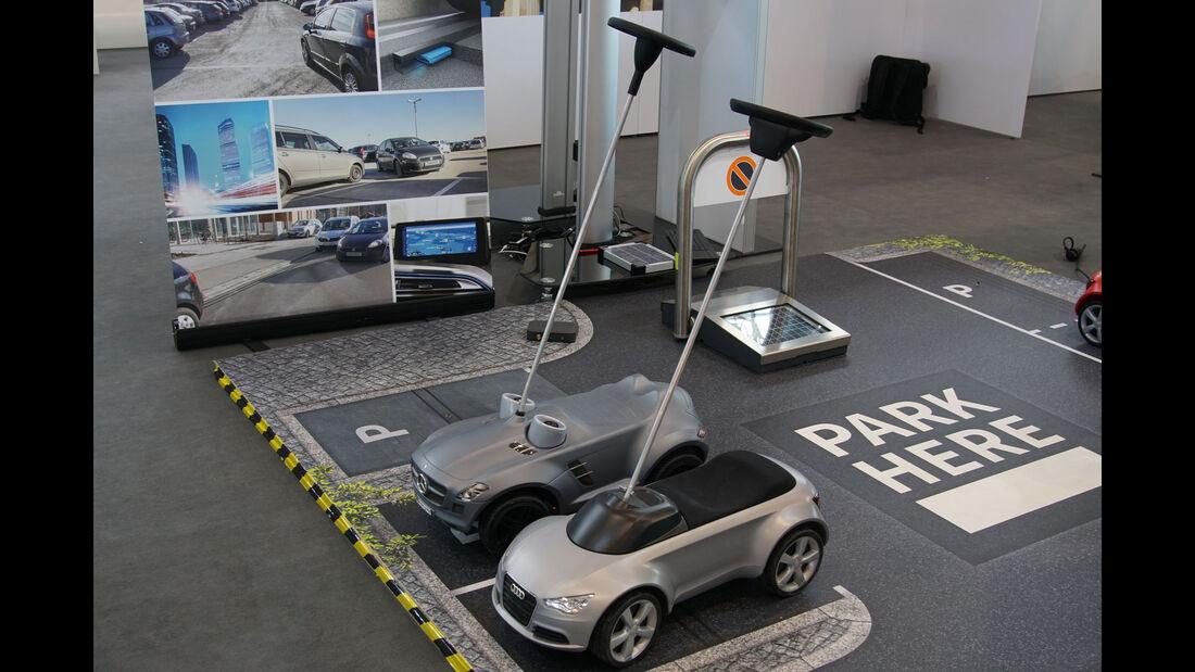 Audi - Mercedes - Bobby Car - Electric Vehicle Symposium 2017 - Stuttgart - Messe - EVS30