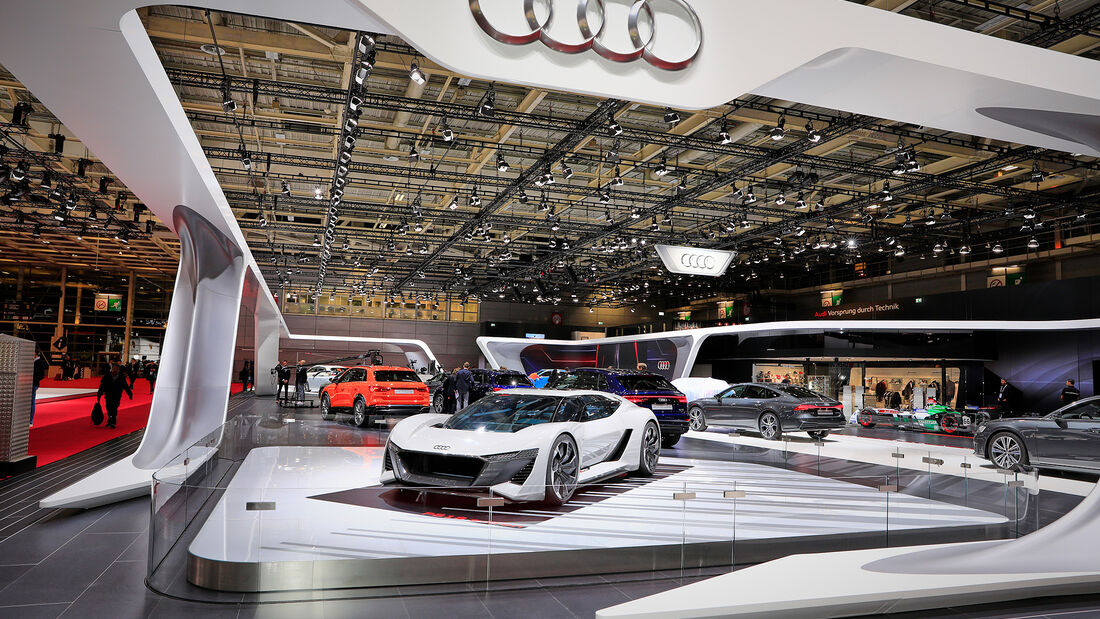 Audi: Messestand Pariser Autosalon 2018