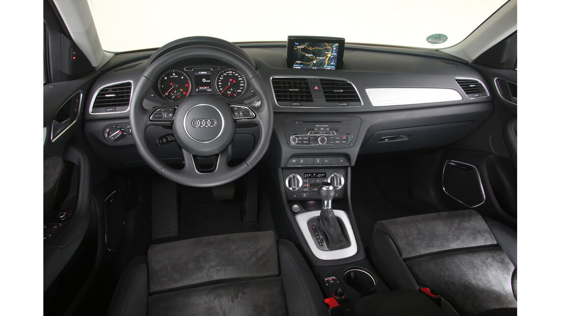 Audi Q3 2.0 TDI Quattro, Cockpit