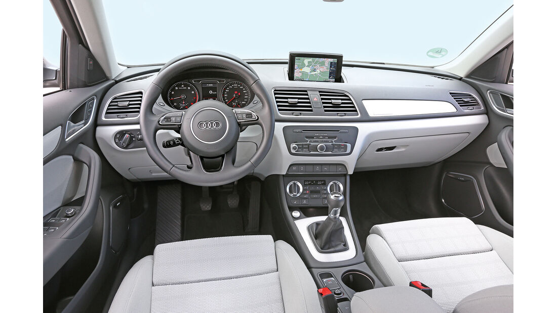 Audi Q3 2.0 TFSI Quattro, Cockpit