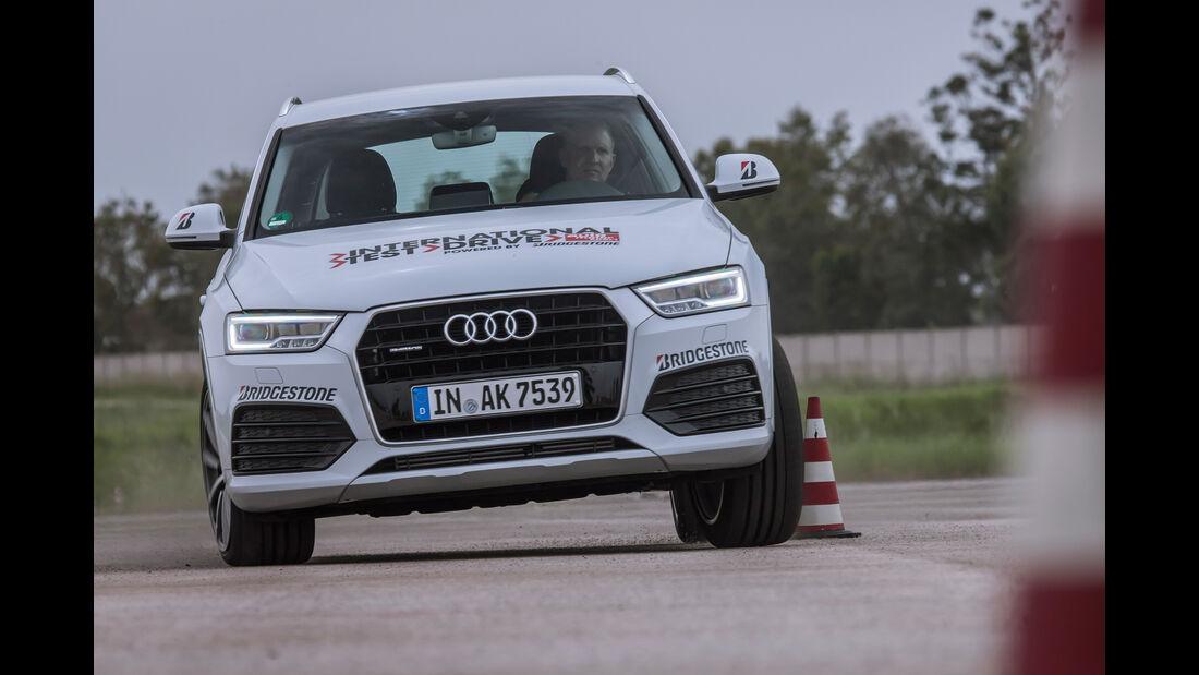 Audi Q3 2.0 TFSI Quattro Sport, Frontansicht, Slalom