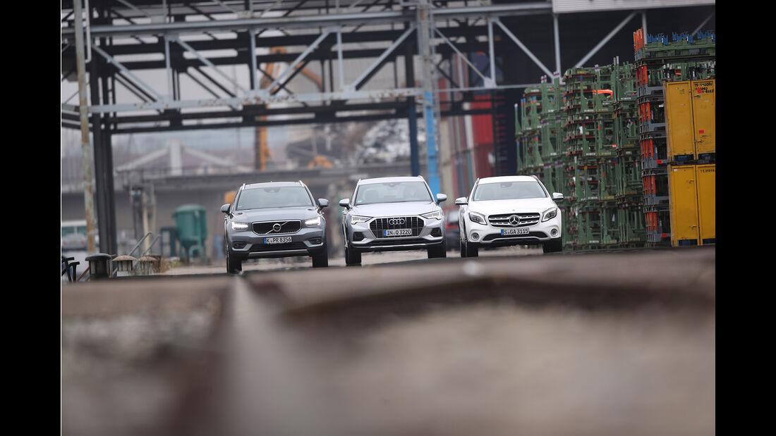Audi Q3 35 TFSI Advanced, Mercedes GLA 200 Style, Volvo XC40 T3 Momentum, Exterieur