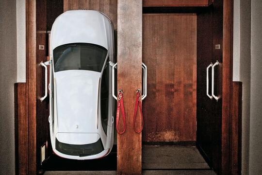 Audi Q3, Aufzug, Lift