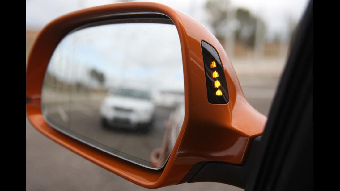 Audi Q3, Rückspiegel