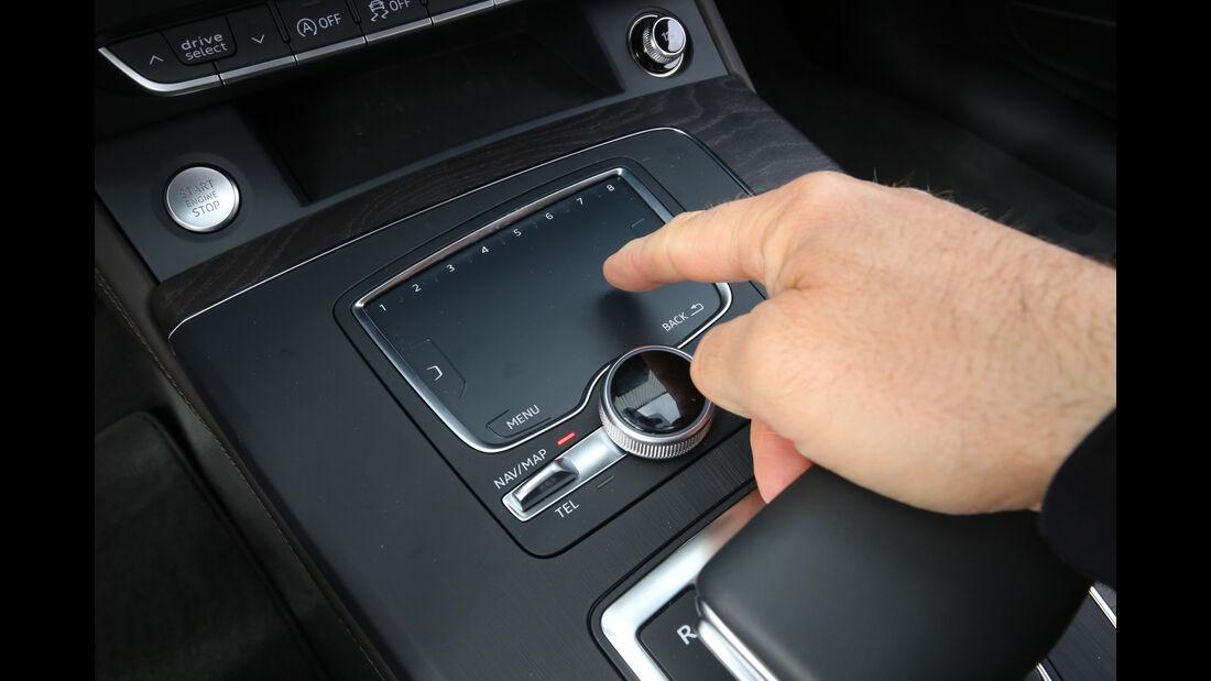 Audi Q5 2.0 TDI Quattro, Touchpad