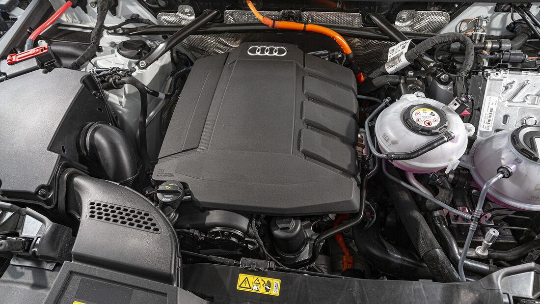 Audi Q5 55 TFSI e Quattro, Motorraum