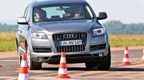 Audi Q7 3.0 TDI, Frontansicht, Slalom