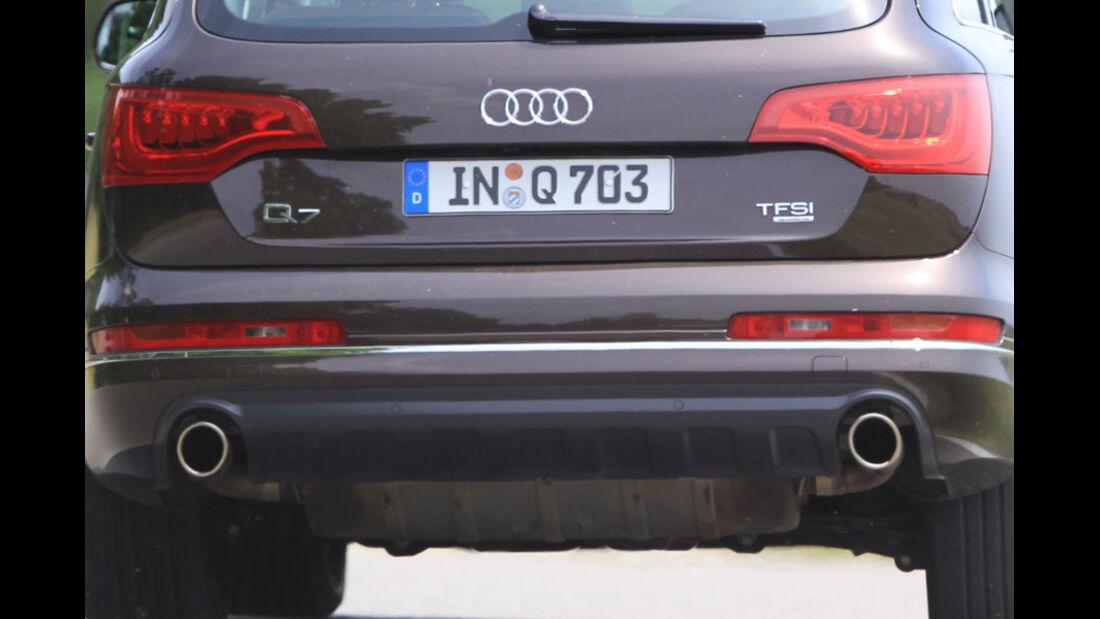 Audi Q7 3.0 TFSI Quattro, Rücklicht, Auspuff