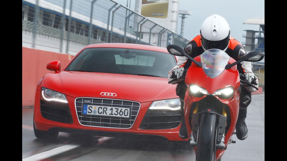 Audi R8 5.2 FSI, Ducati 1199 Panigale S, Frontansicht