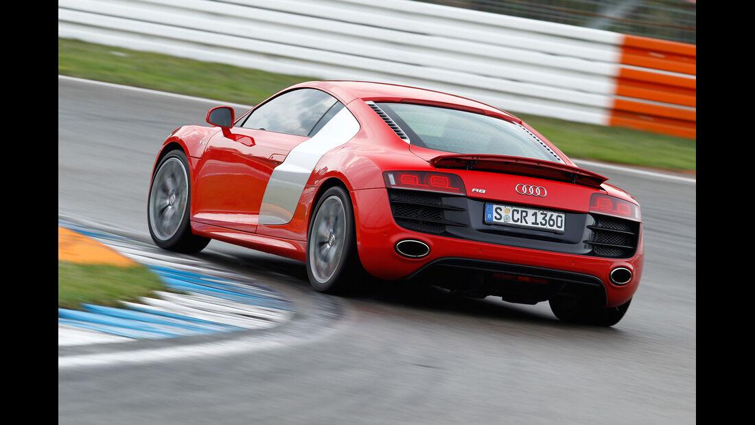 Audi R8 5.2 FSI, Heck, Kurve