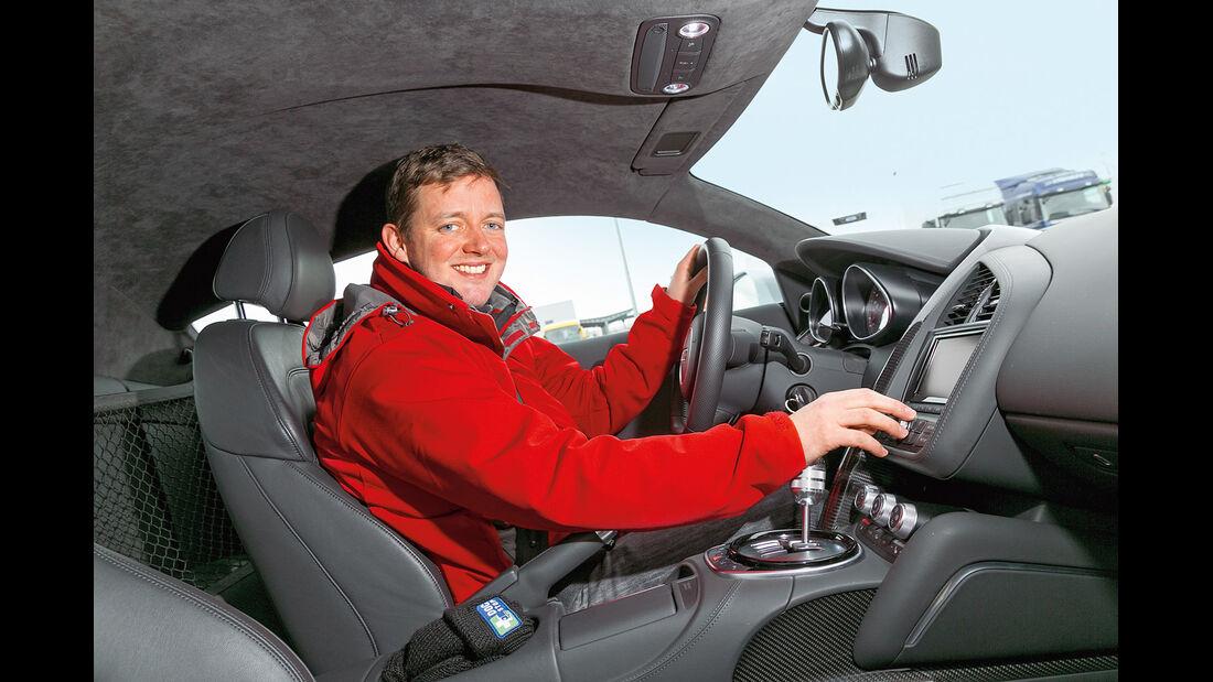 Audi R8 Coupé 4.2 FSI, Cockpit
