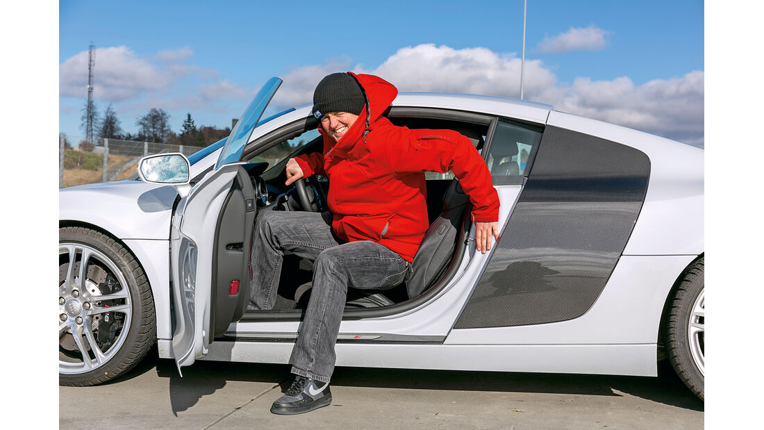 Audi R8 Coupé 4.2 FSI, Einstieg