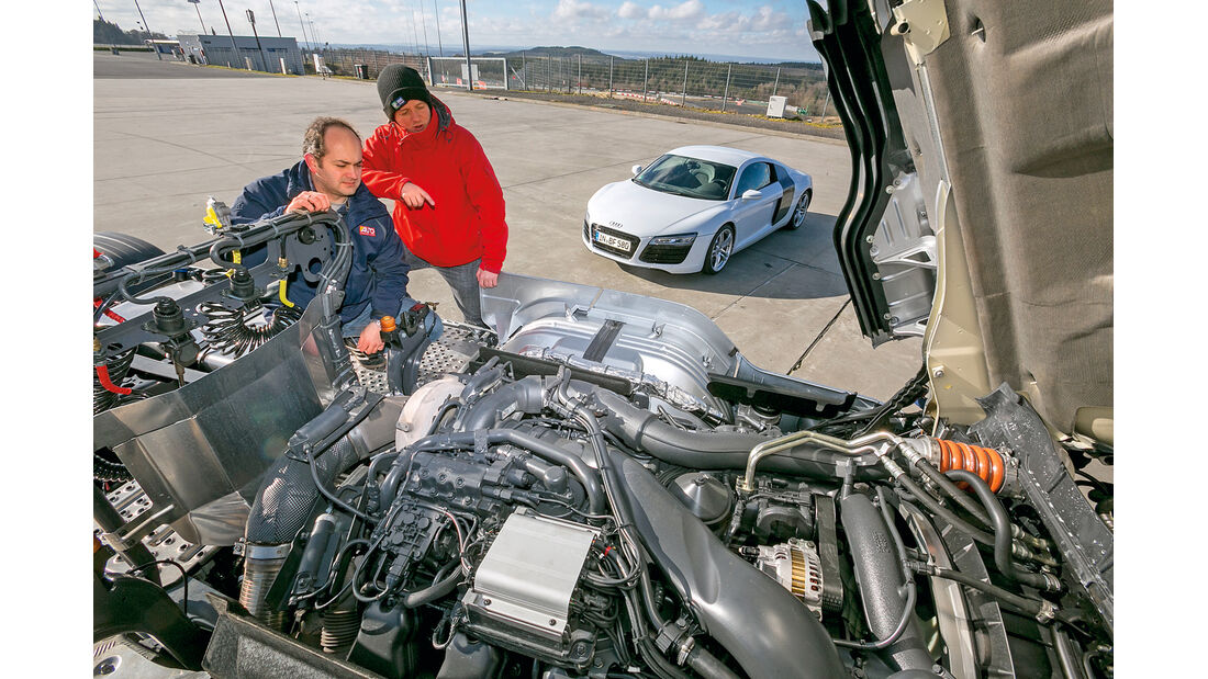 Audi R8 Coupé 4.2 FSI, Scania R 730 Topline, Motor