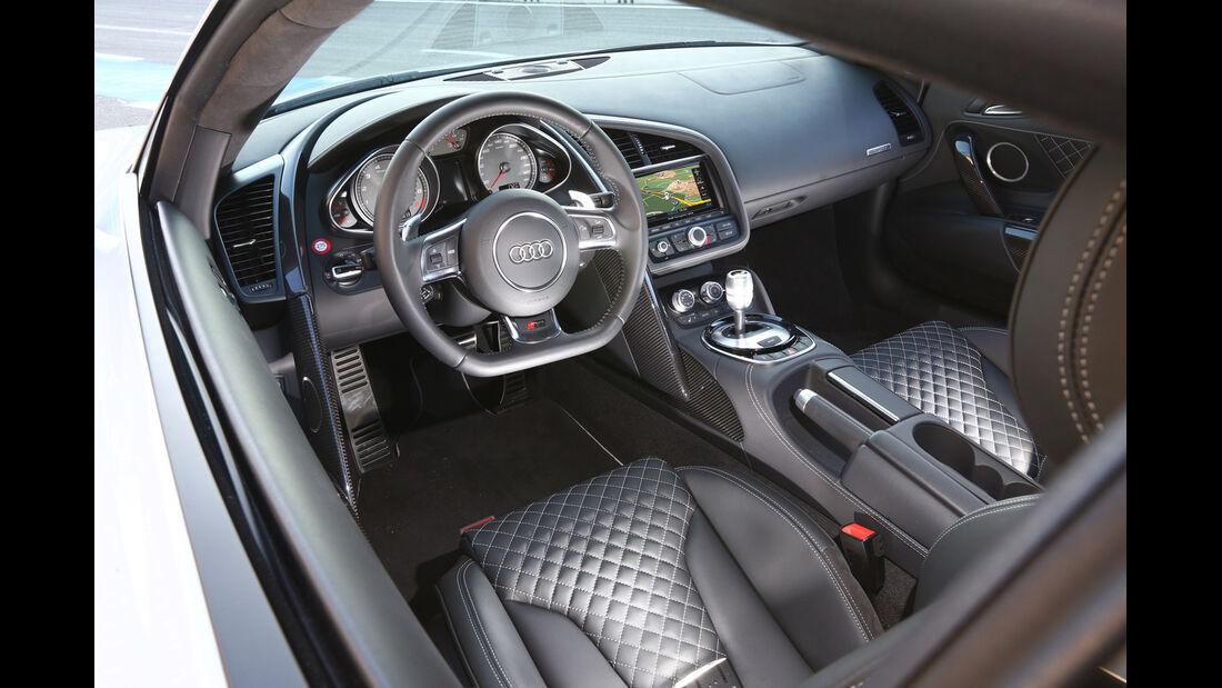 Audi R8 FSI Quattro, Cockpit, Lenkrad