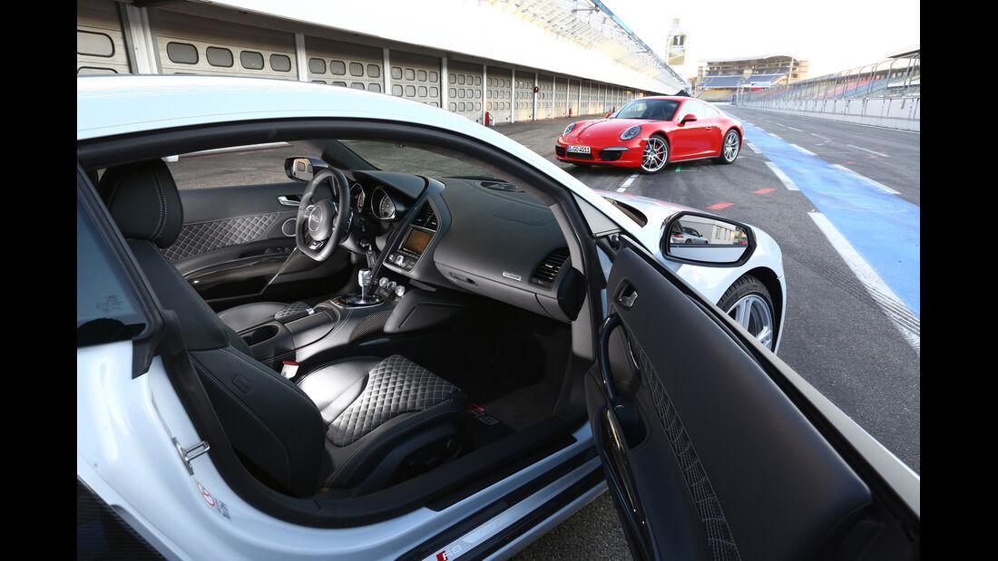 Audi R8 FSI Quattro, Cockpit, Sitze