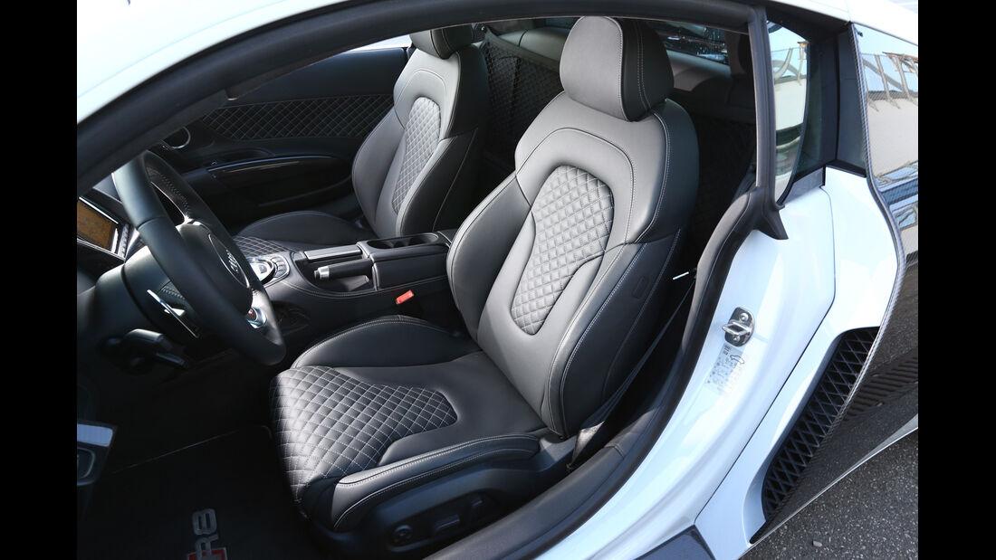 Audi R8 FSI Quattro, Fahrersitz