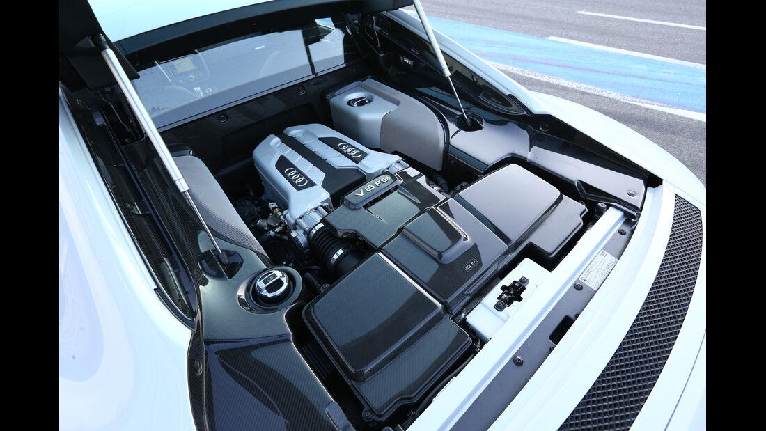 Audi R8 FSI Quattro, Motor