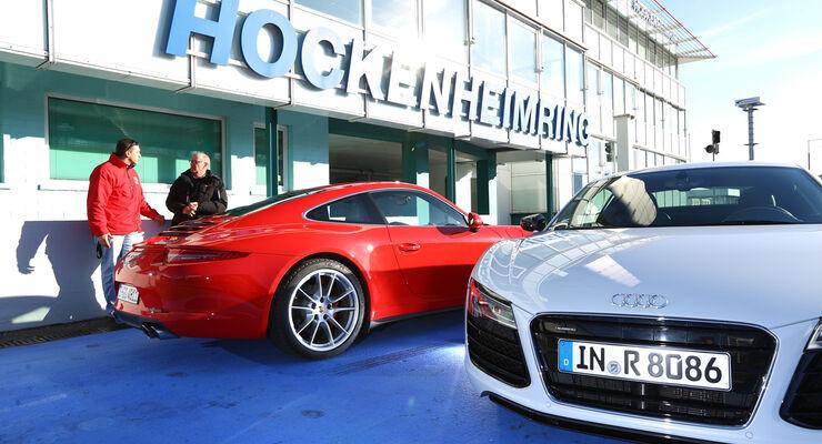 Audi R8 FSI Quattro, Porsche 911 Carrera 4S, Boxengasse