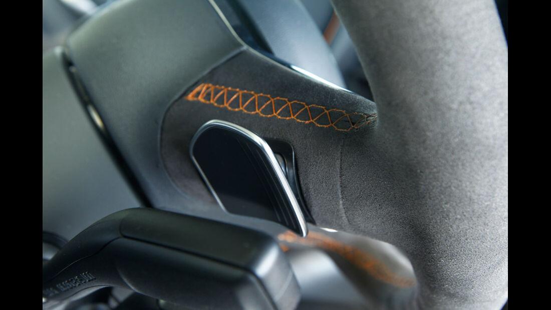 Audi R8 GT, Lenkrad